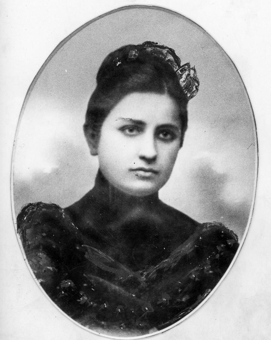 Prva supruga, Jekaterina Svanidze